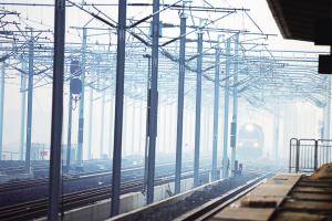 离通车又近一步 通沪铁路接触网送电成功 开始热滑试验